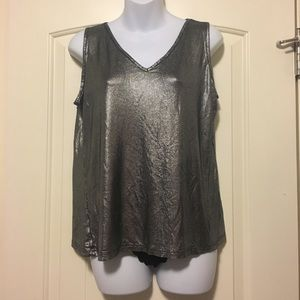 Silver metallic top size large Lynn Ritchie silver